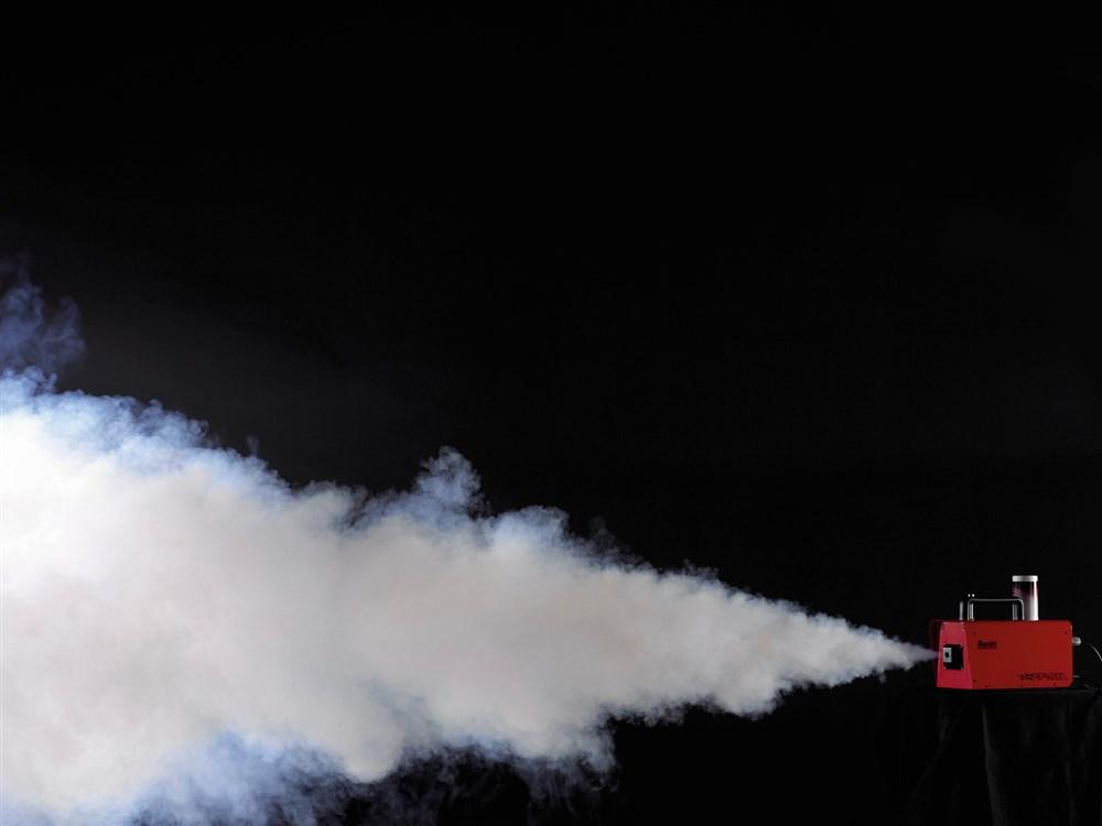 výrobník mlhy pro hasiče na cvičení